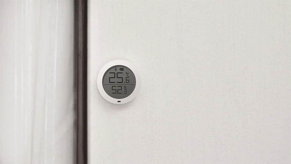 Xiaomi Mi Temperature and Humidity Monitor On Wall